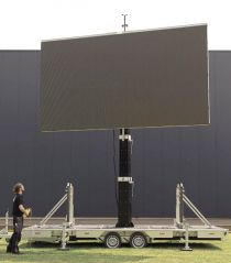 led_trailer_mobile_outdoor_videowall_04.jpg